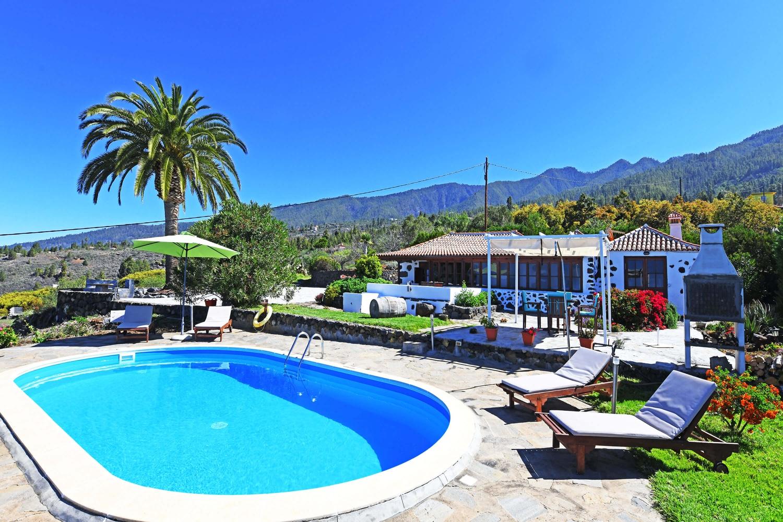 Ferienhaus in Tijarafe mit tollem Meerblick vom Pool und der Terrasse.