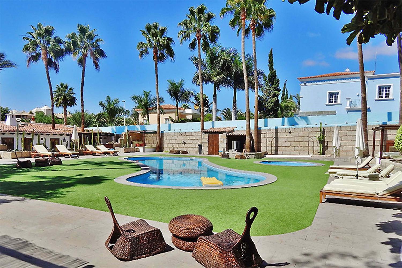 Ferienhaus in Costa Adeje mit großem Gemeinschaftspool für einen tollen Urlaub auf Teneriffa