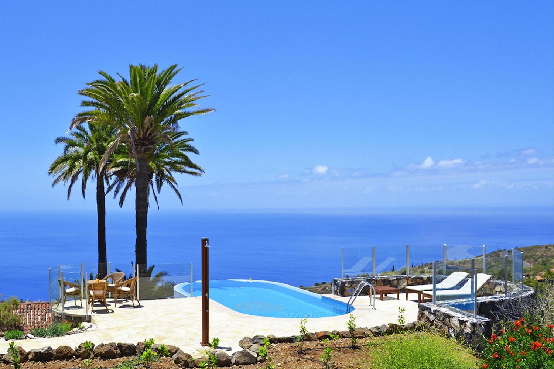 Liebevoll eingerichtetes Ferienhaus in herrlicher Lage und traumhaftem Ausblick auf Atlantik und Sonnenuntergänge